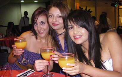 Be a part of our Medellin singles tours